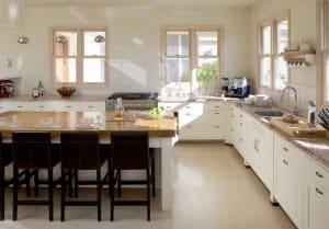 מטבח כפרי בצבע לבן
