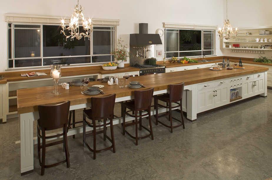Examples of luxury kitchens